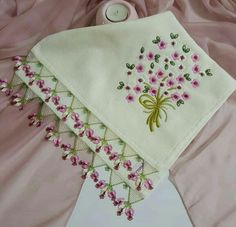 embroidery and oya: beautiful work....