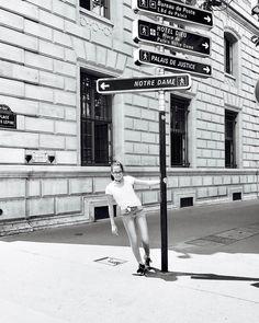Bonjour Notre-Dame 🇫🇷 . . . . . #loveparis #notredame #teentravelphoto #summervacation