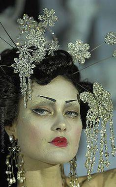 John Galliano  for Dior Haute Couture (details) #PurelyInspiration