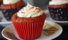 The Sweet Bakery   Cupcakes Premium. Red Velvet