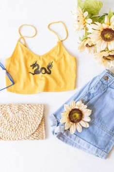 Trendy & affordable women's boutique shopping at The Copper Closet. Shop with us online or at one of our 10 locations across the South East! Mustard Yellow Outfit, Yellow Outfits, Casual Outfits, Ladies Boutique, Boutique Clothing, Fashion Boutique, Shopping Shopping, Online Shopping, Fashion Fall