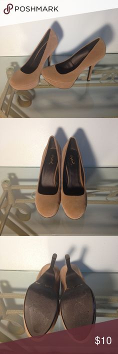 Qupid Suede Heels Cute tan suede heels by Qupid. In excellent condition. No flaws to note. Minor scuffing on bottom of soles. Qupid Shoes Heels