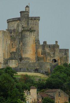 Chateau de Bonaguil is a ruined 13th century castle in the commune of Saint-Front-sur-Lemance, France, le donjon