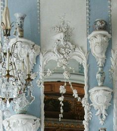a-l-ancien-regime: Rundale palace, detail French Rococo, Rococo Style, Baroque, French Chateau, Home Interior, Interior Decorating, Fancy Mirrors, Antique Mirrors, Monuments