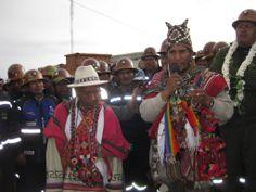 ATOCHA.(14/01/2014). El Viceministerio de Descolonización dependiente del Ministerios de Culturas organizó los actos protocolares del armado de arcos ancestrales de bienvenida en el DAKAR-2014, en los Municipios de Villazón, Atocha, Uyuni y Colchani. Los pilos expresaron su alegría por el caluroso recibimiento en los diferentes lugares por donde pasaron.
