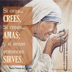 """#FRASES DE #SANTOS """"Si oras… CREES, Si crees… AMAS; y si amas entonces SIRVES""""...Santa Teresa de Calculta CONSEJOS PARA MEJORAR TU VIDA DE #ORACIÓN http://forosdelavirgen.org/89729/orar-en-cuaresma-150223/"""