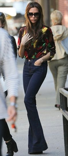 Victoria Beckham in mod retro 70s-love this outfit