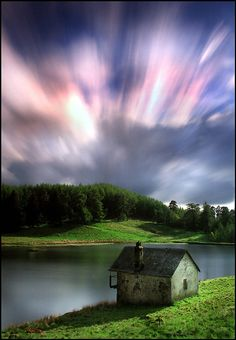 Loch Drumore Boathouse, northern lights