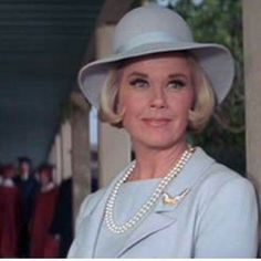Doris Day, real classy, love her out-fit.