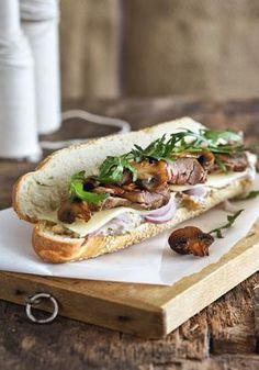 Σάντουιτς με μοσχάρι ψητό με κασέρι και μανιτάρια