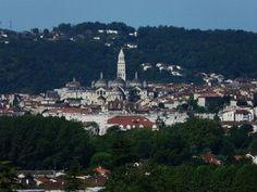 #Perigueux : een stad in het departement #Dordogne, in de regio #Aquitaine. Deze stad heeft een rijke geschiedenis! Kijk voor meer informatie over deze, en andere bezienswaardigheden in Zuid-Frankrijk op www.zonnigzuidfrankrijk.nl !