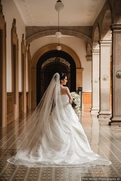 ¡Hermosa novia el día de la boda!  ¡Mira los detalles de la boda aquí!  Bodas.com.mx  Pink Velvet Photography  #wedding #bodas #bodamexicana #bride