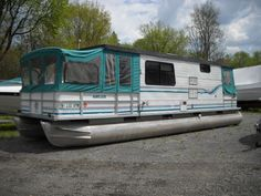 Quest Moonlighter Pontoon Houseboat | House Boat for Sale. $13000....I so miss this!!!!!!!