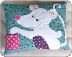 P1240184_blog Tooth Fairy Pillow, Sewing Pillows, Textiles, Diy For Kids, Lana, Dinosaur Stuffed Animal, Quilts, Children, Pattern