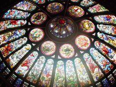 Reeeeealllllllyyy love stained glass.