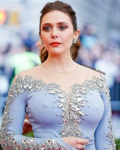 Elizabeth Olsen the third and youngest Olsen sister Beautiful Celebrities, Beautiful Actresses, Gorgeous Women, Beautiful Dream, Elizabeth Olsen Scarlet Witch, Olsen Sister, Woman Crush, Jennifer Lopez, Sexy Women