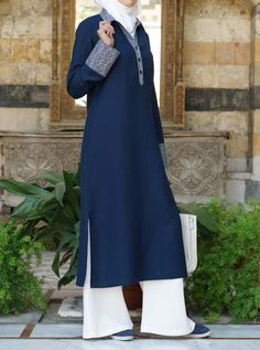 Muzayyanah Tunic - Fall Collection - Women Ladies Tops - Buy with the huge collection of Tops for Wo Islamic Fashion, Muslim Fashion, Modest Fashion, Fashion Dresses, Estilo Abaya, Abaya Mode, Hijab Stile, Fall Collection, Hippy Chic