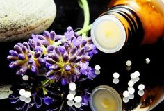 Here are 8 of the best essential oils for nerve pain. A natural solution to peripheral neuropathy, numbness and tingling, and lose of sensation. Alternative Heilmethoden, Alternative Therapies, Homeopathic Medicine, Homeopathic Remedies, Holistic Medicine, Natural Medicine, Herbal Medicine, Troubles Digestifs, Aromatherapy Recipes