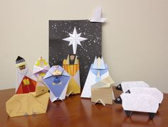 The manger scene as taken from Bible Origami Kit. Thanks to Nagisa K all the way from Hawaii for submitting this to us :)