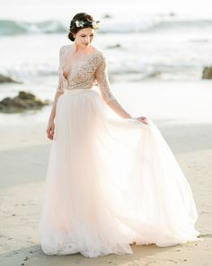 In general, the choice of beach wedding dresses is endless. Such a romantic type wedding is much deserving of a simple sexy wedding dress. Simple Sexy Wedding Dresses, Simple Wedding Dress With Sleeves, Chiffon Wedding Gowns, Bridal Gowns, Amazing Weddings, Wedding Dress Shopping, Bridal Shoot, Destination Weddings, Beach Weddings
