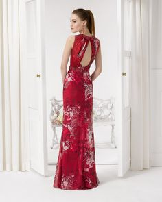 Aire Barcelona: Wedding dresses and evening gowns Pretty Outfits, Pretty Dresses, Beautiful Dresses, Bridesmaid Dresses, Prom Dresses, Formal Dresses, Stylish Gown, Haute Couture Gowns, Frack