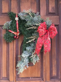 Your place to buy and sell all things handmade Horse Head Wreath, Horse Art, Christmas Wreaths, Horses, Holiday Decor, Handmade, Deko, Christmas Garlands, Hand Made