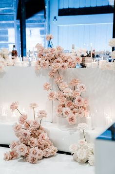 Modern Wedding Flowers, Floral Wedding, White Chandelier, Bridal Table, Waterfront Wedding, Table Flowers, White Bridal, Wedding Decorations, Wedding Ideas