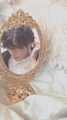 Foto Bts, Bts Photo, V Taehyung, Bts Bangtan Boy, Bts Art, Frases Bts, V Bts Cute, Mode Rose, V Bts Wallpaper