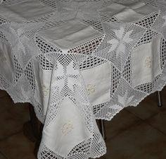 Risultati immagini per croche em linho Crochet Tablecloth, Crochet Magazine, Cutwork, Crochet Lace, Diy And Crafts, Craft Projects, Cross Stitch, Quilts, Vintage