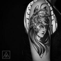 """Tatuagem feita por <a href=""""http://instagram.com/maxvorax"""">@maxvorax</a>"""