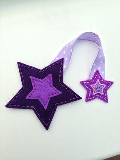 could be cute for Christmas ornaments or gift tags - - - Stars handmade felt bookmark Felt Diy, Handmade Felt, Felt Crafts, Crafts To Make, Fabric Crafts, Sewing Crafts, Arts And Crafts, Felt Bookmark, Bookmark Craft