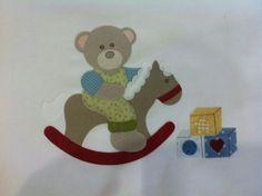 toalha de capuz para bebe. lia bordados