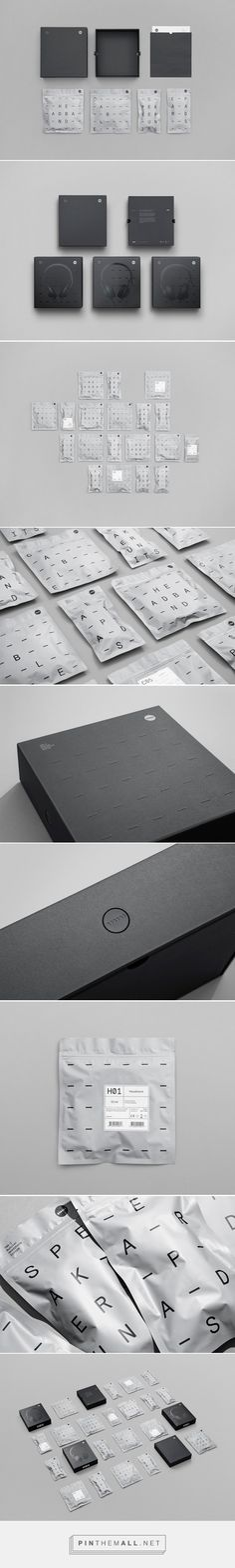 TMA-2 Modular Headphones Packaging System designed by Kilo Design (Denmark) - http://www.packagingoftheworld.com/2016/03/tma-2-modular-packaging-system.html