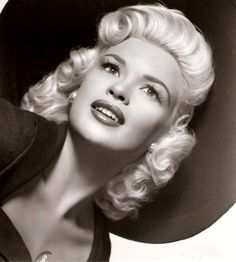 Jayne Mansfield - What a beauty.
