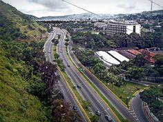 La Cota Mil (Avenida Boyacá). Caracas - Venezuela