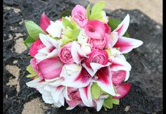 I love the combo of the stargazer lilies with the roses!!