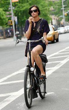 Famke Janssen, dutch city bike