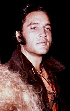 Elvis Presley looking gorgeous in 1969