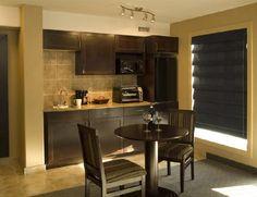 Cambria fieldstone basement kitchen countertop by atlanta for Kochnische verkleiden