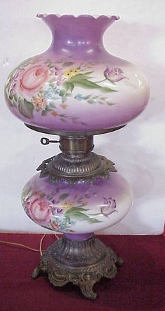 276: Gone With the Wind Lamp, purple, white with flowe : Lot 276