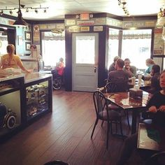 The Filling Station Deli in downtown Bryson City has expanded with seats and treats including sidewalk bistro seating, a dining room and specialty desserts!