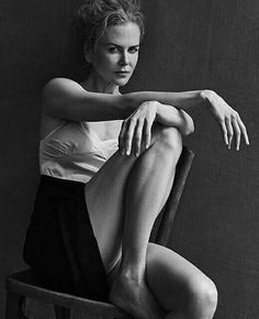 Nicole Kidman - Pirelli Calendar 2017 by Peter Lindbergh Annie Leibovitz, Peter Lindbergh, Nicole Kidman, Jessica Chastain, Kate Winslet, Photography Poses Women, Portrait Photography, Fashion Photography, Glamour Photography