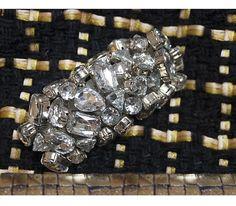 Gansu in handwoven fabric// details. Quarzo black + diamante blue+gold. Suede handle stone details.