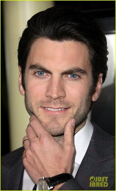 Wes Bentley - In my opinion .. would have made a much better Bruce Wayne for the new Batman.