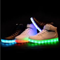 a276fcc83 Zapatos para Niños Niños niñas glowing simulación led light up fashion  sneakers colorido luminoso de carga