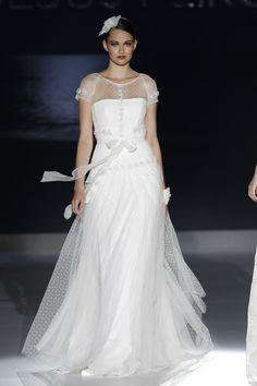 Barcelona bridal week. Diseño: Jesus Peiro