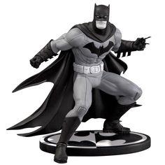 Batman Statue based on Greg Capullo's art