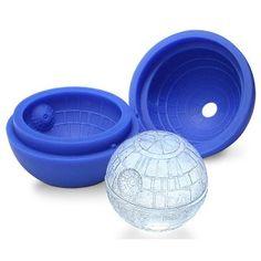 Moule en silicone Star Wars Etoile Noire Ce moule est utilisable dans lefour jusqu'à 230° comme dans lemicro-onde, ainsi que lecongélateur. 7cm de diamètre