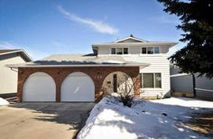 160 PARKVIEW WY SE Parkland, Calgary--Desirable Area!