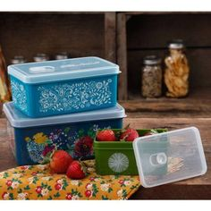 The Pioneer Woman Rectangular Food Storage with Vent Container Set, Set of 3, Multiple Colors